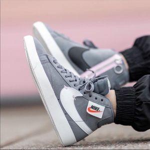 NWT Nike Blazer Mid Rebel
